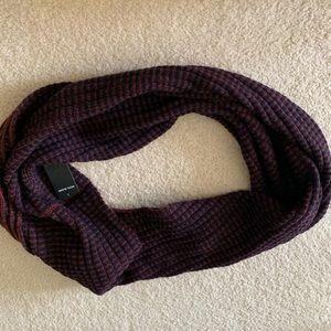 ✅ H&M wool circular scarf